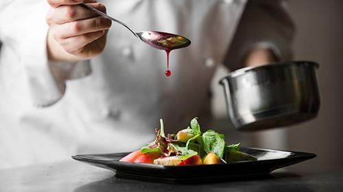 Maukas ja monipuolinen lounas ravintola Virrassa